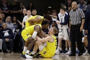 Michigan routs Villanova in championship rematch