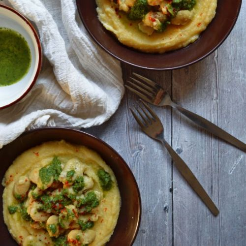 Creamy polenta with beans and basil