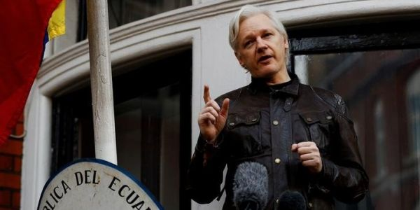 Russia reportedly hatched an audacious plan to smuggle Julian Assange out of Britain on Christmas Eve