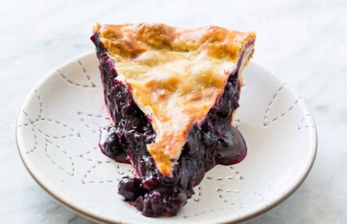 Skip the Dairy: Serve Your Summer Pies with NadaMoo!