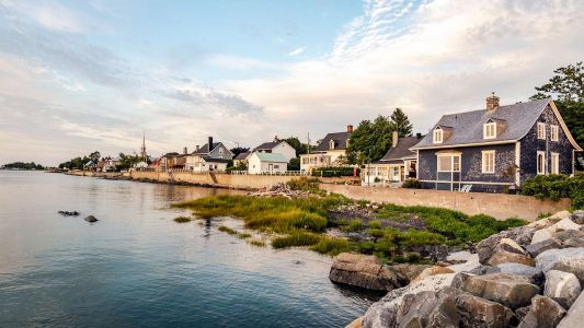 Craving Beach Vibes in Canada? Find Them at 6 Under-the-Radar Beach Towns
