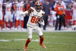 Browns WR Landry has hip surgery, expected to play in 2020