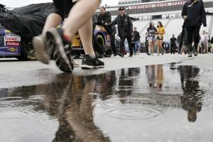Rain delays NASCAR Cup race at New Hampshire