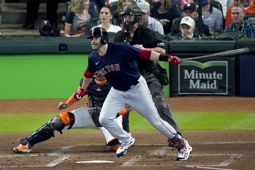 Boston beats Houston with 2 grand slams; series comes to Fenway for Game 3