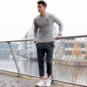 15 Ways On How To Wear Joggers In Winter