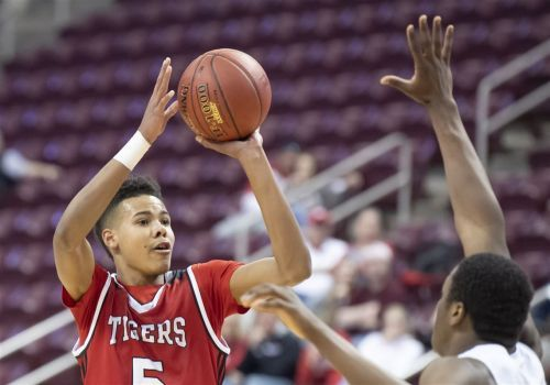 Donovan Johnson, Moon basketball star, denied extra year of eligibility by WPIAL