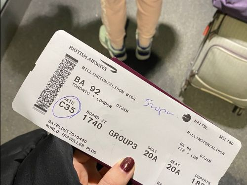 I fly at least once a month and always insist on printing out my boarding pass. Here's why you should, too