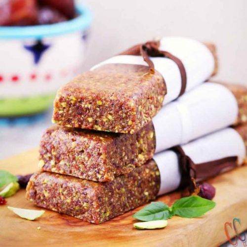 3 ingredient no bake energy bar