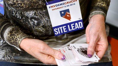 'US democracy at work': WATCH Nevada caucus ties being determined by a deck of cards