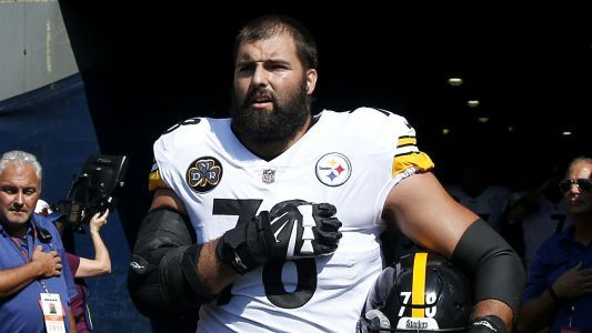 Steelers were confused by Alejandro Villanueva anthem appearance, report says