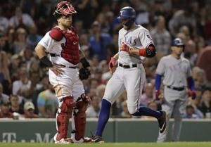 Pence hits inside-the-park HR, Rangers beat Red Sox 9-5