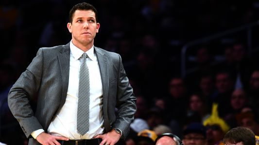 Magic Johnson reprimands coach Luke Walton after Lakers' 3-5 start, report says