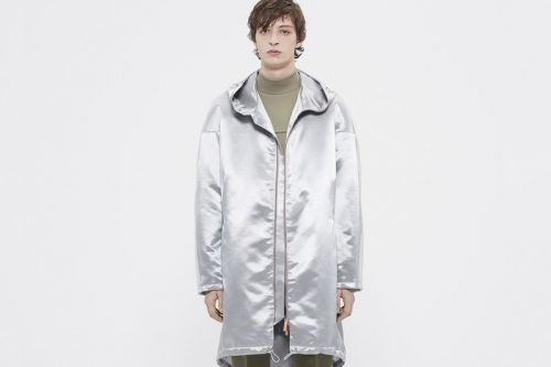 COS Unveils Pared-Back Fall/Winter 2018 Lookbook