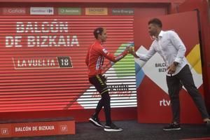Wallays wins Vuelta stage, Yates leads before decisive tests
