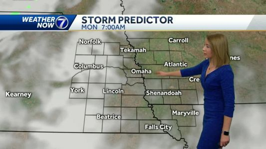 A warm to start the week before storm chances return Monday