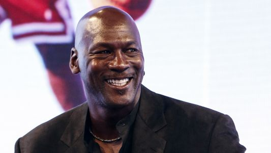 Michael Jordan says Stephen Curry, others should not be 'demonized' for speaking out
