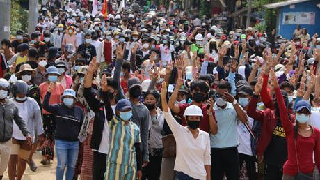 Deposed Myanmar officials and pro-democracy protesters form national unity government amid military coup