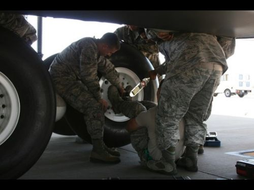 AFRL invents cargo aircraft tire change tool
