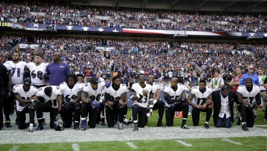 Steelers plan to stay in locker room during national anthem, reports say