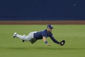 Outfielder Kiermaier back in lineup for Rays in ALCS Game 7