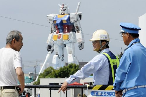 Watch Japan's Life-Size Gundam Move During a Series of Movement Tests