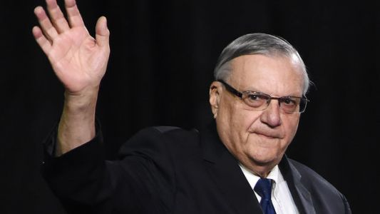 Joe Arpaio Revives Racist Obama Birther Conspiracy