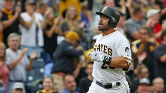 Francisco Cervelli reportedly will sign with Braves after Pirates release him