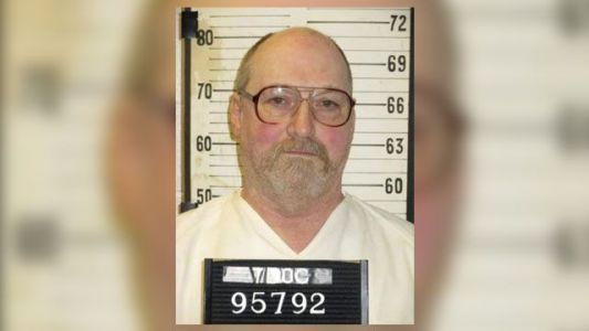 Tennessee inmate says execution 'beats being on death row' before electrocution, lawyer says