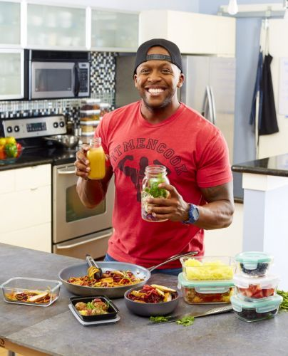 Everything You Need to Know About Eating for Endurance, Thanks to Kevin Curry of Fit Men Cook