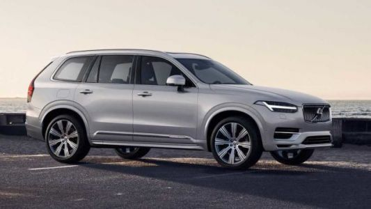 The 2020 Volvo XC90 Looks Basically the Same But Adds Kinetic Energy Recovery Like an F1 Car