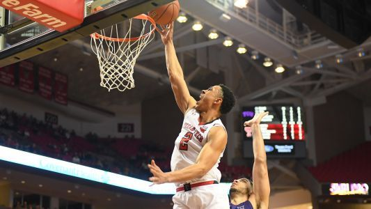 March Madness 2018: Watch Texas Tech's Zhaire Smith throw down 360 dunk on alley-oop