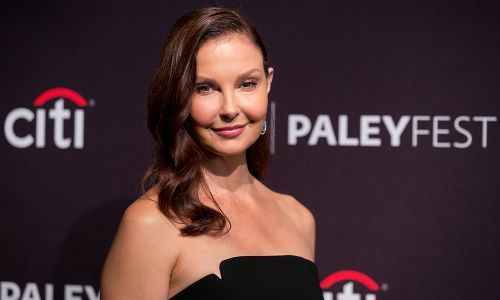 "Ashley Judd Inspired by Mom Naomi to Expose Harvey Weinstein - ""Go Get Him"""