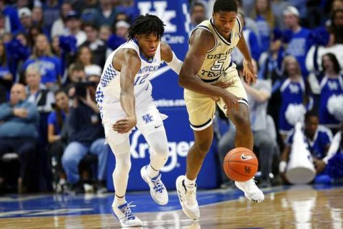 Hagans Scores 21, Leads No. 8 Kentucky Past Georgia Tech