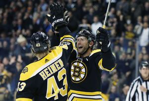 Backes scores 2 goals as Bruins beat Coyotes 6-1