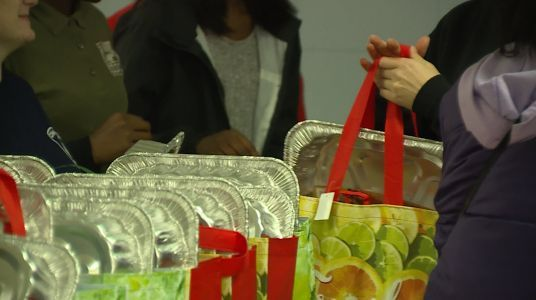 600 meals distributed to feed Avondale families for Thanksgiving