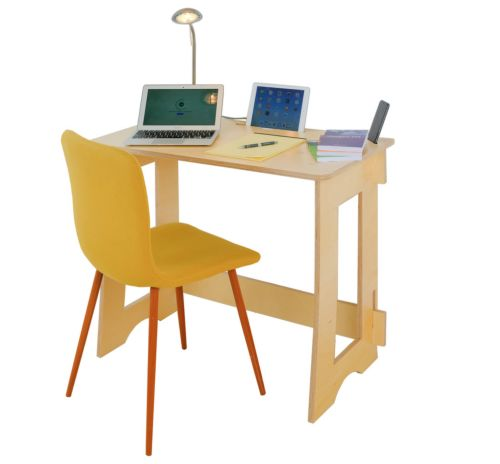 WIN A 60 SECOND DESK FROM CLEVER CLOSET