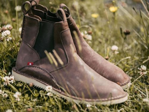 These handmade leather boots are a fraction of the cost you'd normally pay - and the come with a lifetime warranty