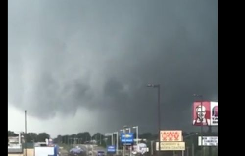 Confirmed tornado rips through Marshalltown, Iowa