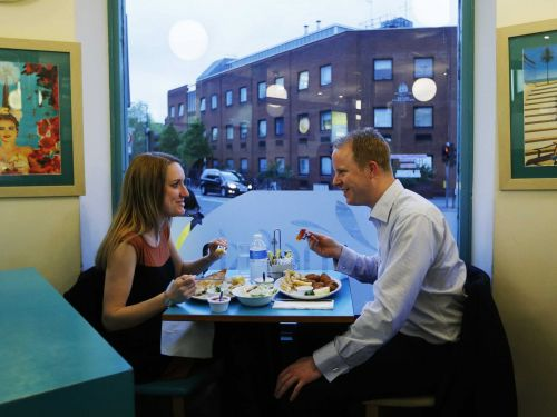 Here's what it's really like to date in different places across America