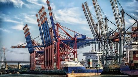 US-China trade sinks in November as tariff war drags on