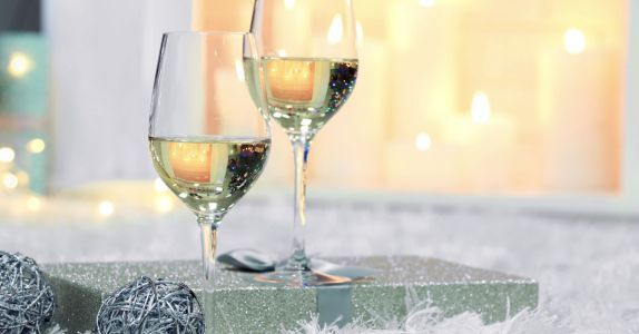 Everything You Need to Know About White Wines for Winter