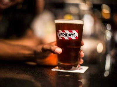 TGI Fridays Tests Food and Alcohol Delivery