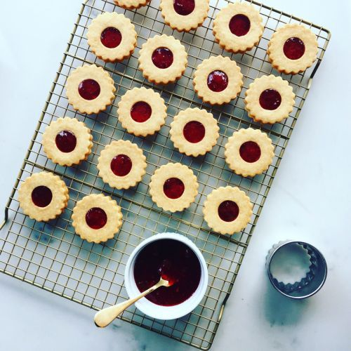 12 Days of Cookies: Baking Bandits' Raspberry Linzer Cookies