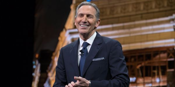 'You gotta clap for that': Howard Schultz slams 'far-left' and 'far-right' in policy speech without much substance