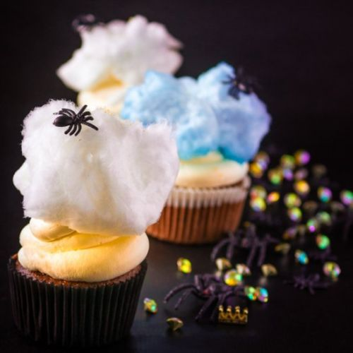 Spider cupcakes with mascarpone