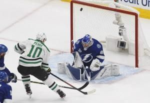 Stars and Lightning going to 2nd OT in Game 5 of Cup Final