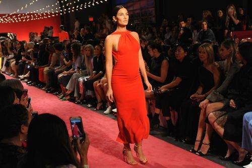 Lily Aldridge rocks baby bump on NYFW runway