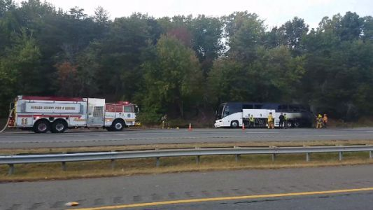 Tour bus fire shuts southbound I-95 in Elkridge