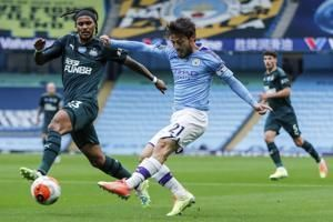 Silva shows enduring class in Man City's latest big home win