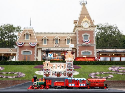 20 gifts for anyone who loves Disneyland